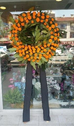 Cenaze çiçeği cenaze çelengi çiçek modeli  Sakarya uluslararası çiçek gönderme