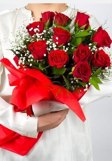 Aşk Gülleri 11 Adet kırmızı gül buketi  Sakarya 14 şubat sevgililer günü çiçek