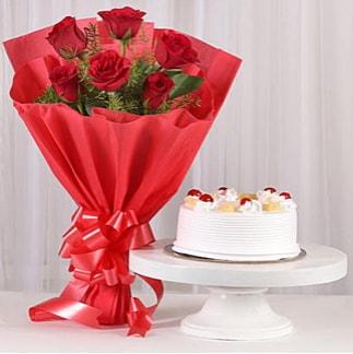 6 Kırmızı gül ve 4 kişilik yaş pasta  Sakarya hediye sevgilime hediye çiçek