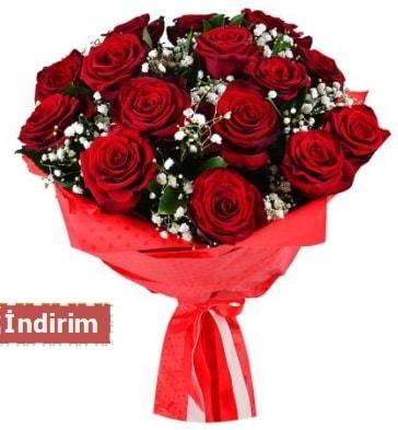 12 Adet kırmızı aşk gülleri  Sakarya anneler günü çiçek yolla
