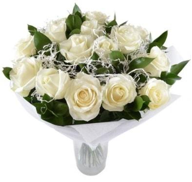 15 beyaz gül buketi sade aşk  Sakarya anneler günü çiçek yolla